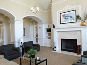 Lounge at Listing #143474