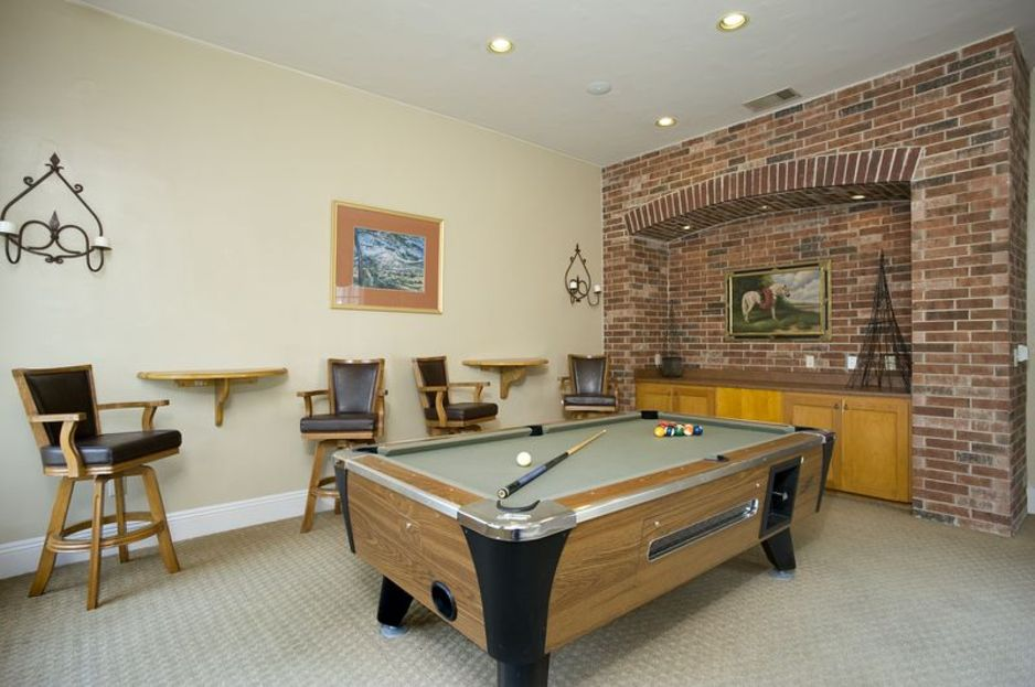 Gameroom at Listing #141444