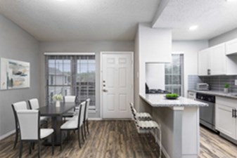Dining/Kitchen at Listing #140360