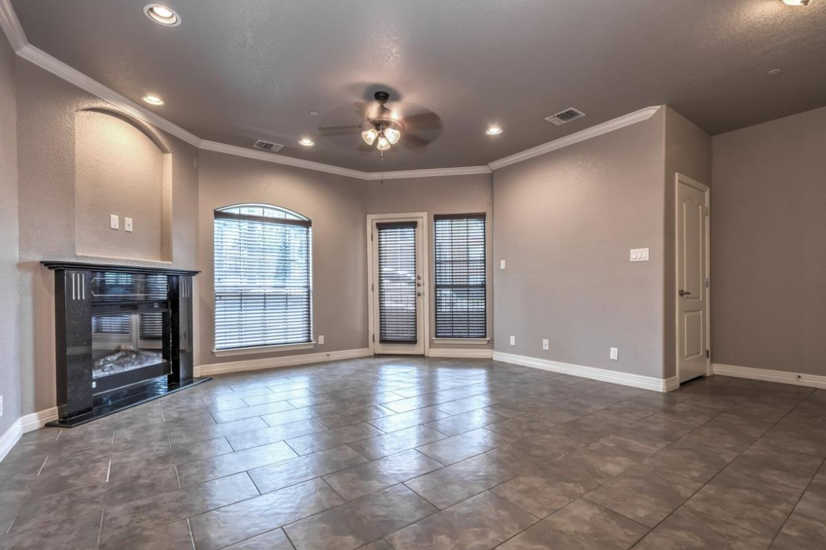 Living at Listing #239467