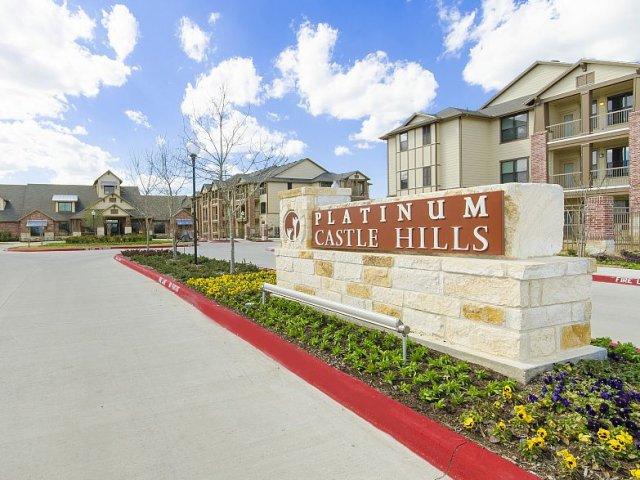 Platinum Castle Hills Apartments Lewisville, TX