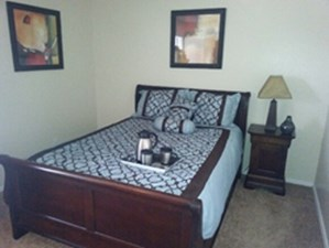Bedroom at Listing #136789