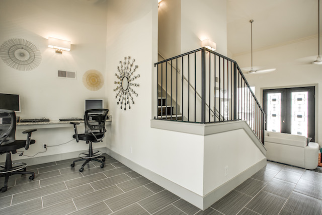 Business Center at Listing #135944