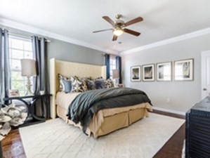 Bedroom at Listing #224124