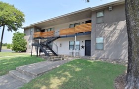 Lakeshore Villa Apartments Rowlett TX