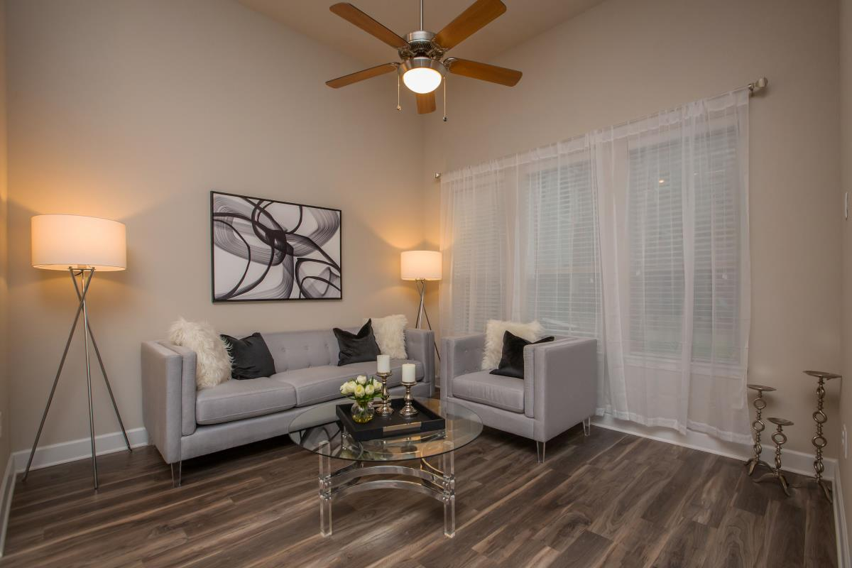 Living Room at Listing #283012