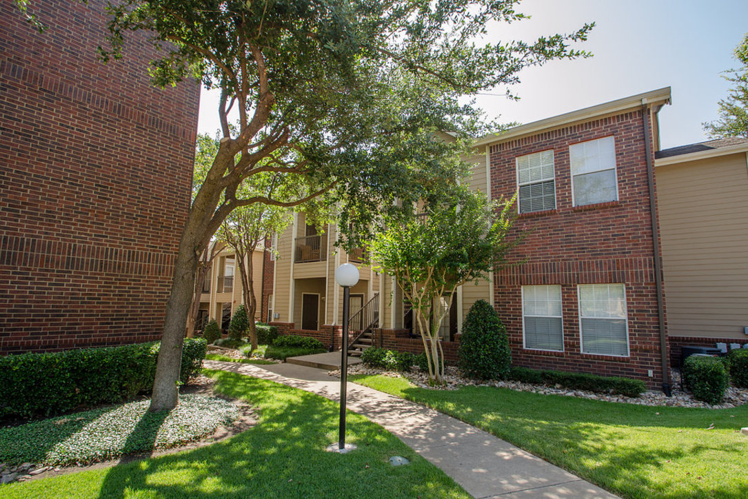 Exterior at Listing #137781