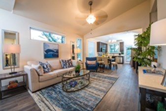 Living at Listing #301337