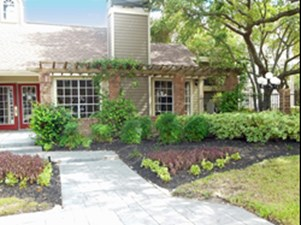 Exterior at Listing #139958