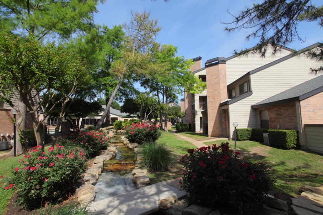Spring Parc Apartments