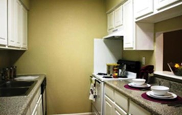 Kitchen at Listing #138386