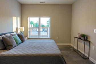 Bedroom at Listing #251151