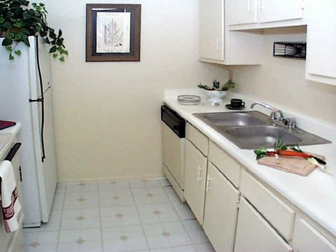 Kitchen at Listing #139077