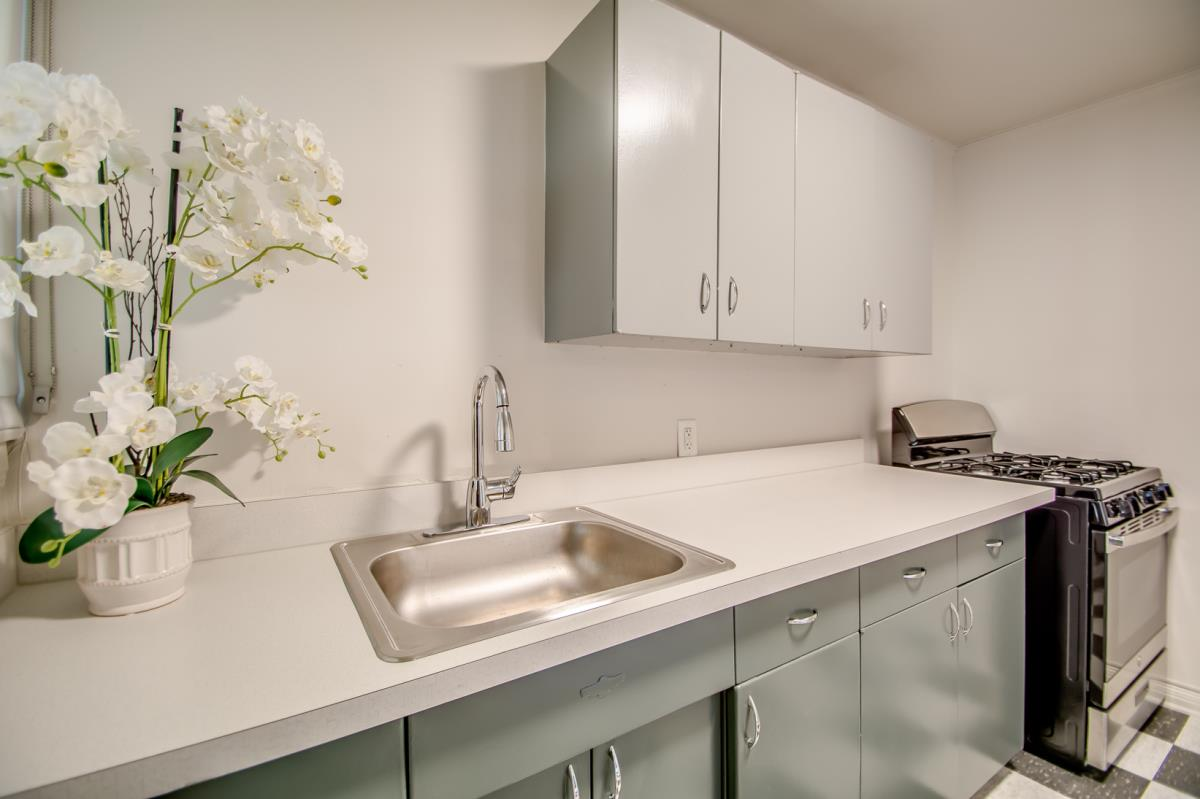 Kitchen at Listing #136083
