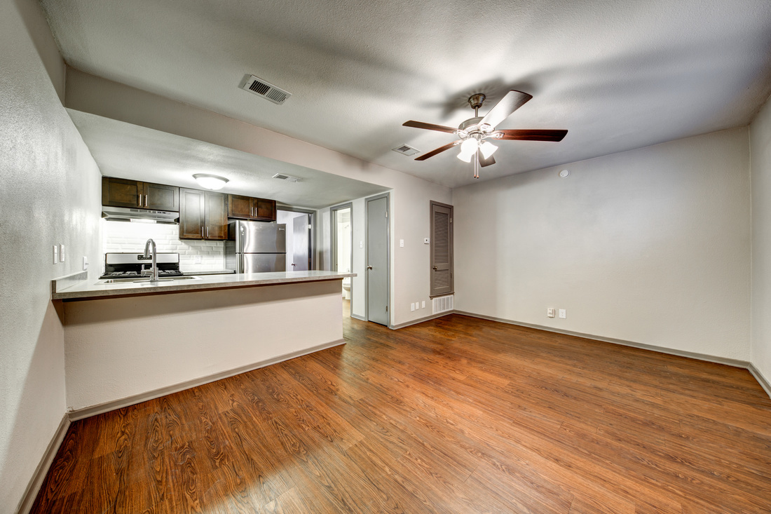 Living/Kitchen at Listing #211445