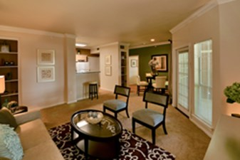 Living Room at Listing #137585