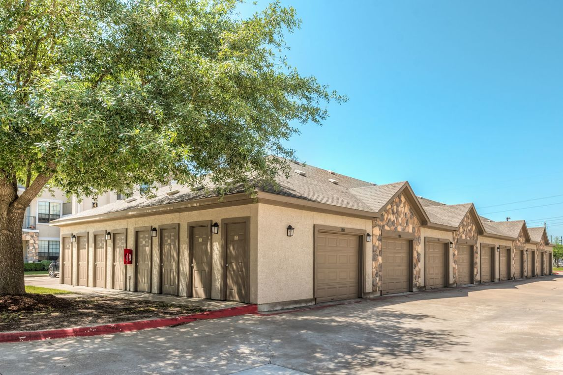 Exterior at Listing #144998