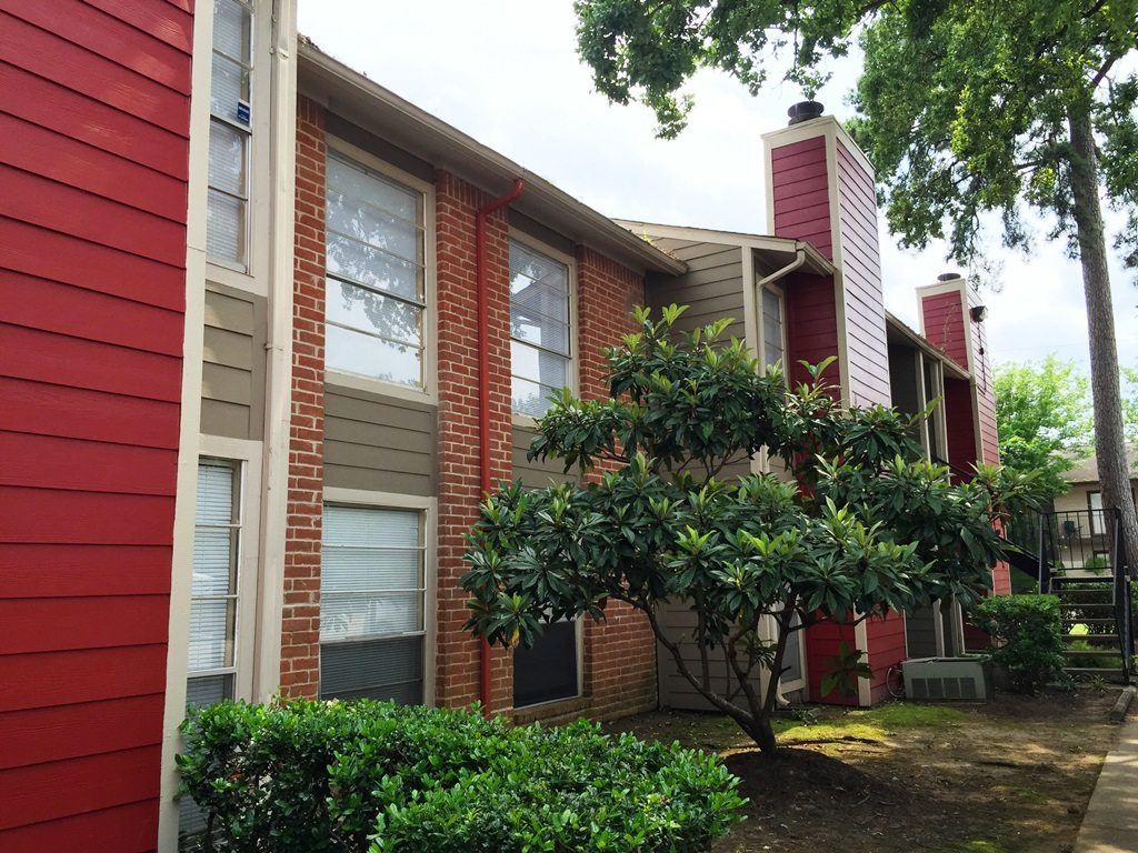 Exterior at Listing #138623