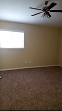 Bedroom at Listing #139021