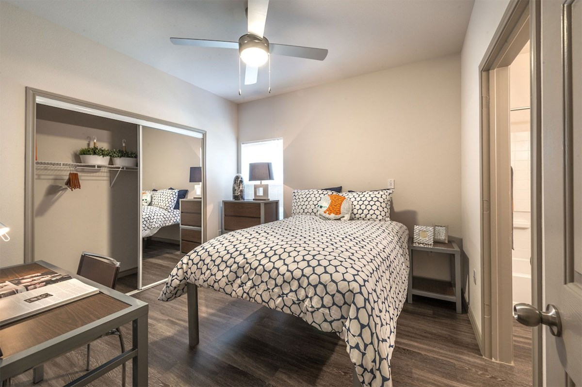 Bedroom at Listing #147766