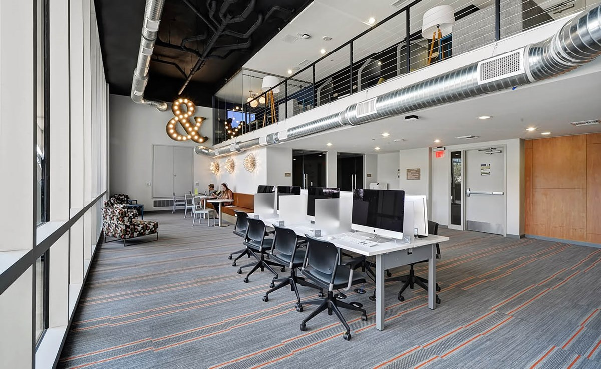 Business Center at Listing #276465