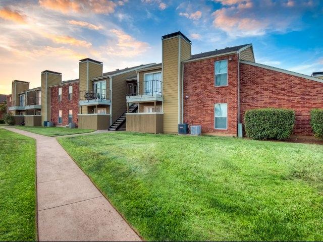 Huntington Circle Apartments Lewisville TX
