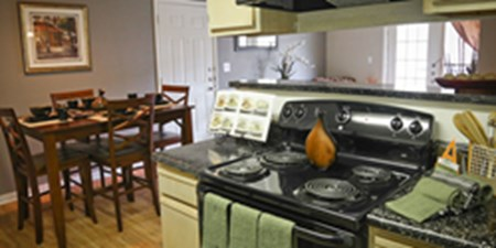 Dining/Kitchen at Listing #141300