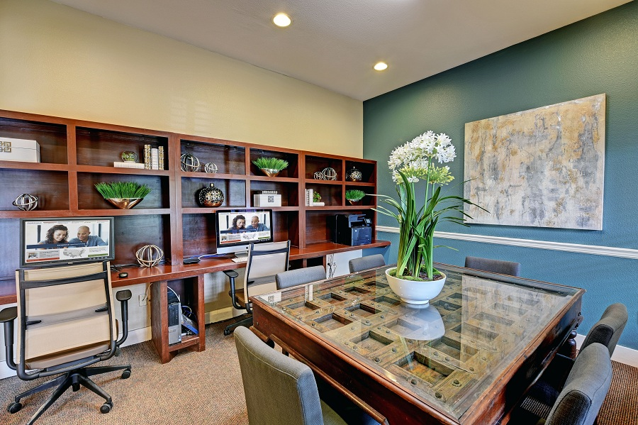Business Center at Listing #145154