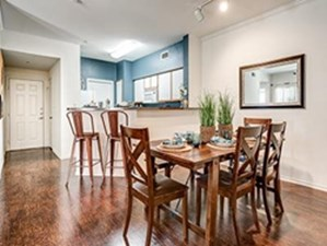 Dining at Listing #138052