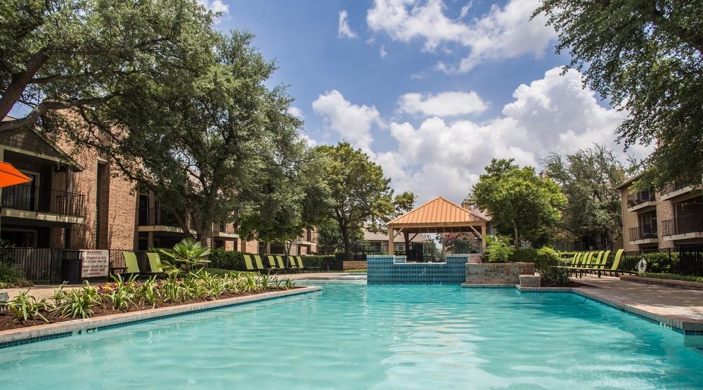 Pool at Listing #140883