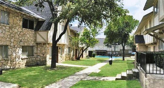 Brix at Terrell Hills Apartments San Antonio TX