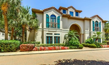 Exterior at Listing #139108
