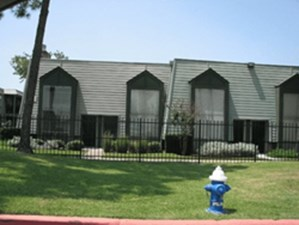 Exterior at Listing #138810