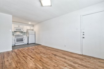 Living/Kitchen at Listing #138182