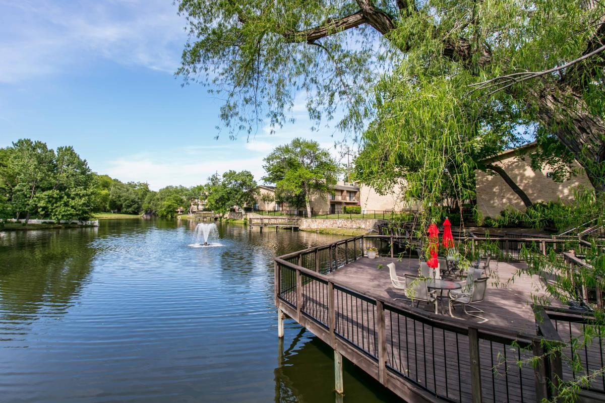 Lakefront Villas Apartments Richardson TX