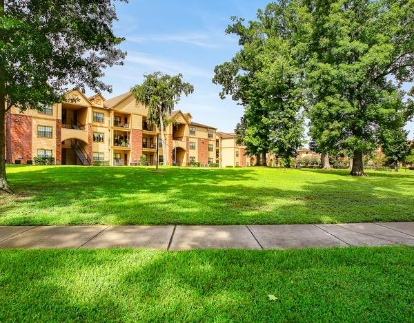 Lakeshore Villas ApartmentsHumbleTX