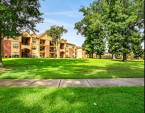 Lakeshore Villas at Listing #138676
