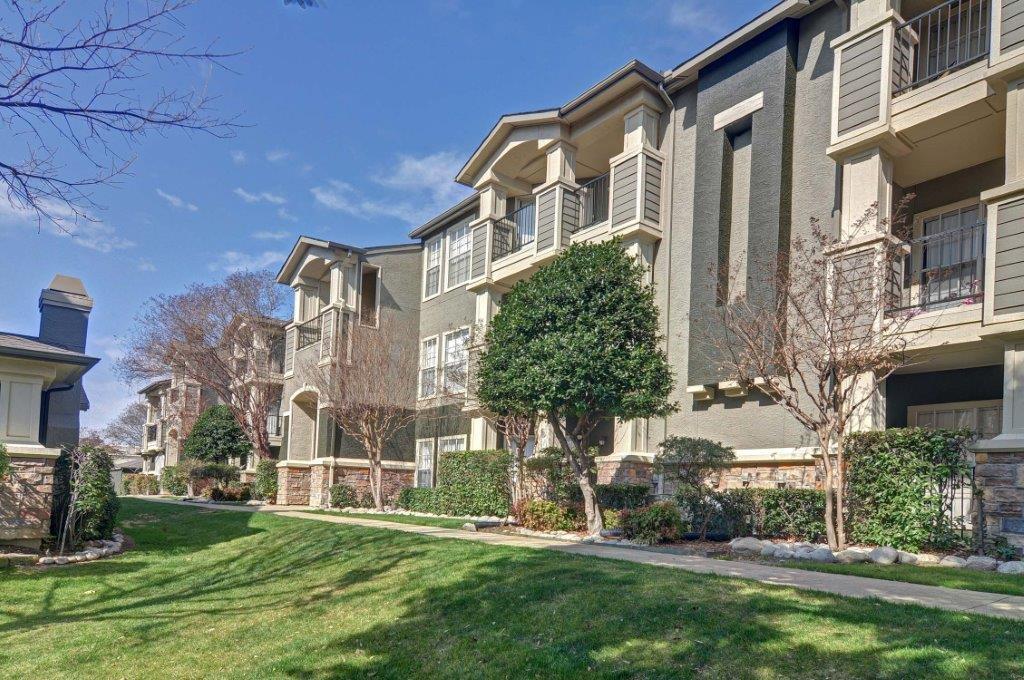 Stone Ridge Apartments Dallas TX