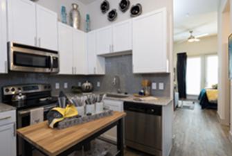 Kitchen at Listing #287923