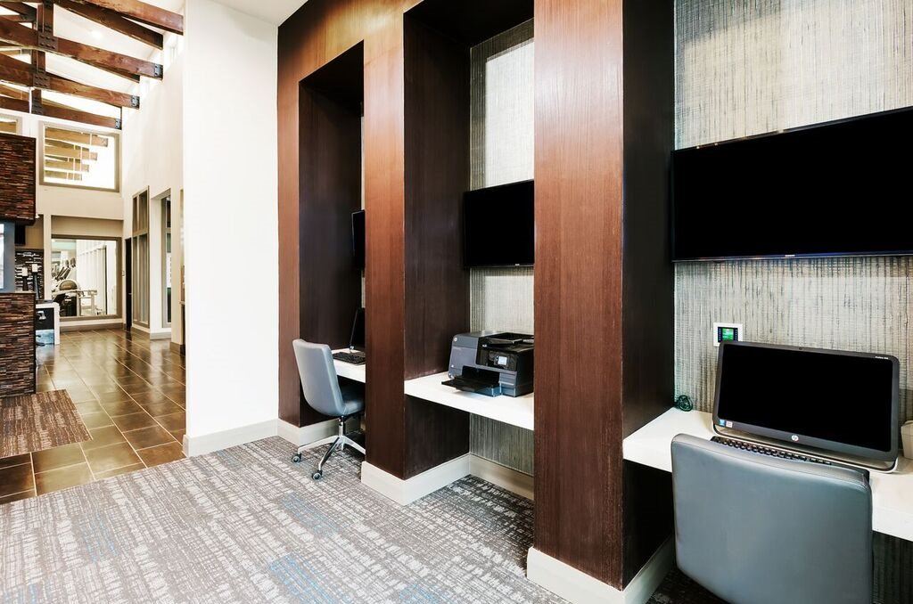 Business Center at Listing #252759