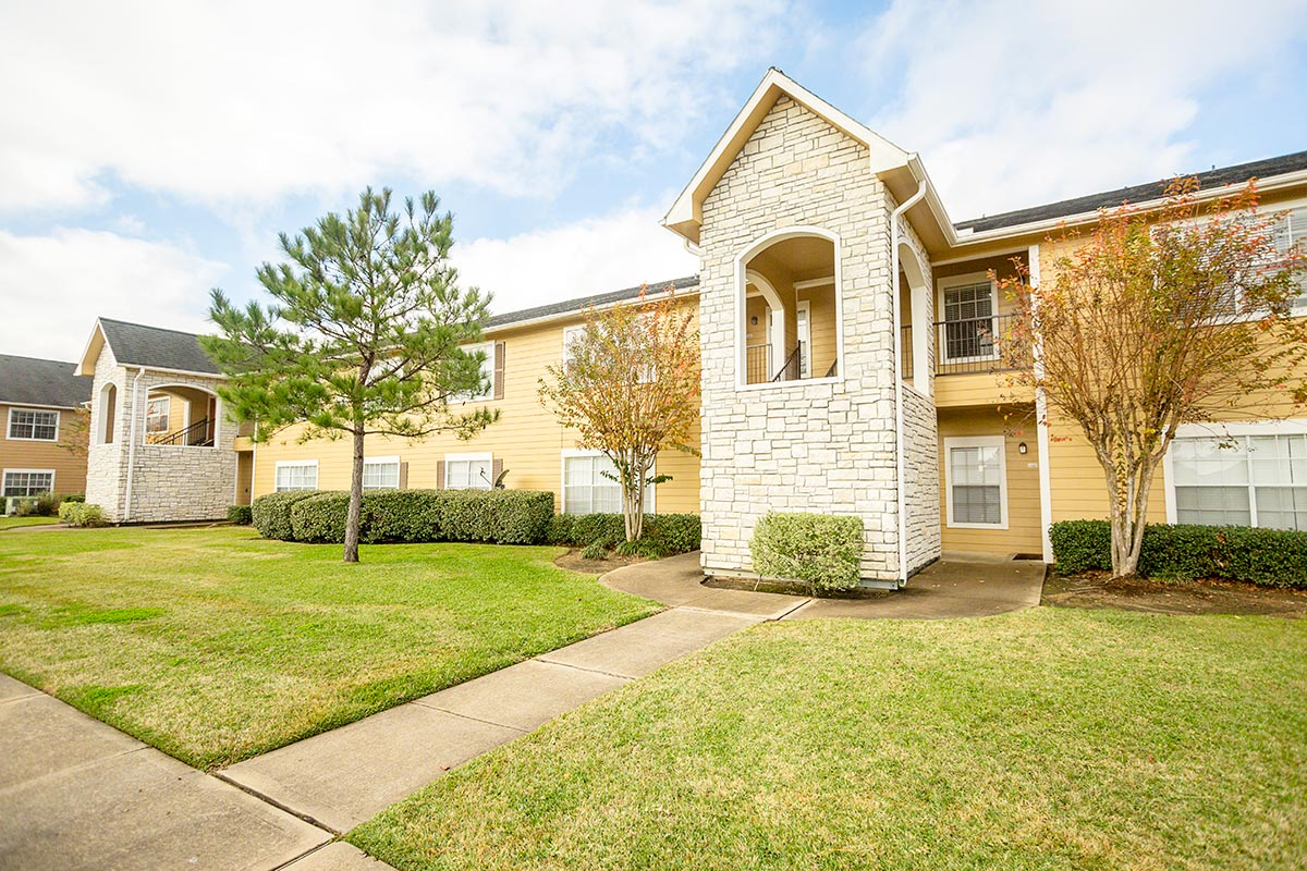Exterior at Listing #139247