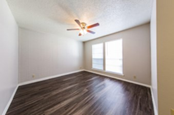 Bedroom at Listing #140431