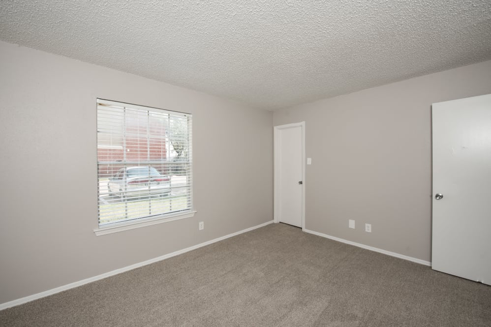 Bedroom at Listing #136244