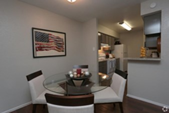 Dining at Listing #138464