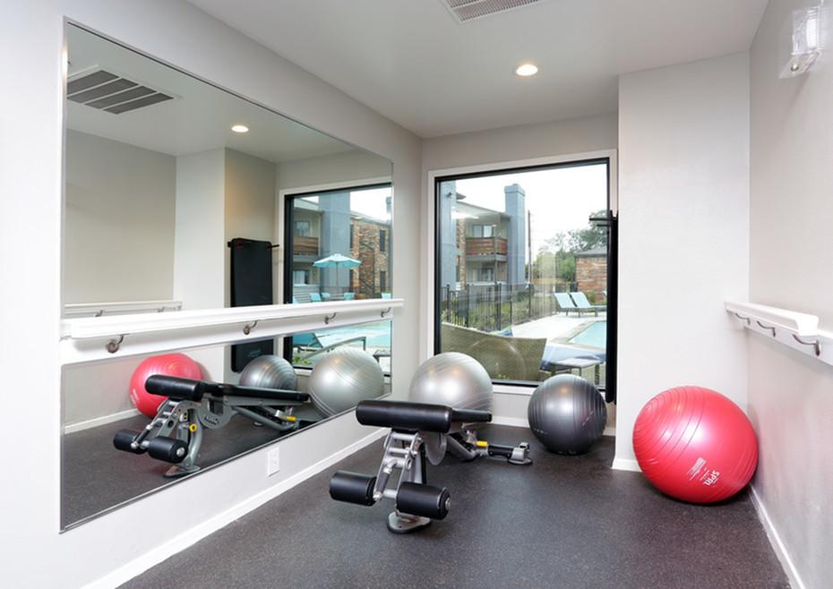 Fitness Center at Listing #136286