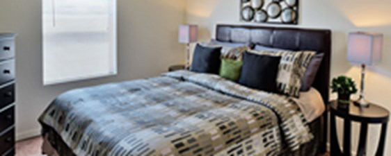 Bedroom at Listing #140813