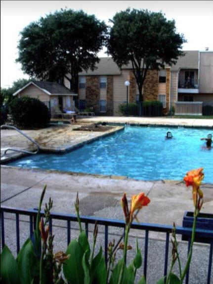 Pool at Listing #137217