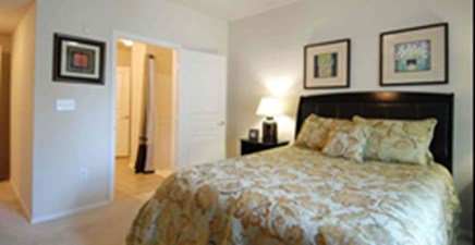 Bedroom at Listing #144584