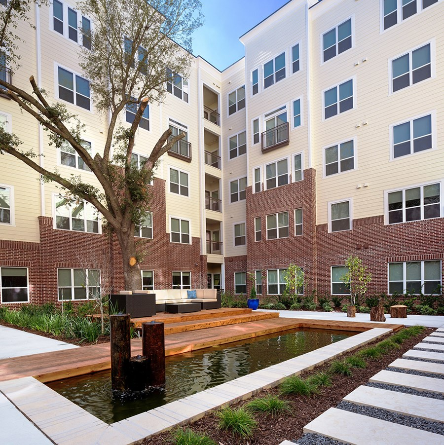 District at Greenbriar Apartments