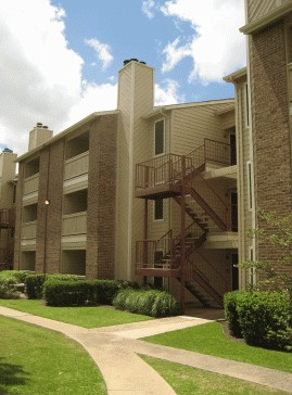 Exterior 2 at Listing #140224